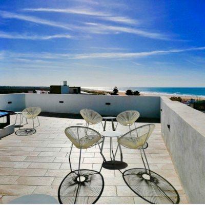 hostal-conil-surf-camp-el-palmar-alojamiento-andalucia